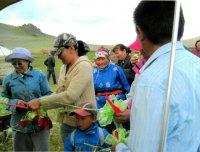 На монгунтайгинском озере Ак-Холь открылась турбаза