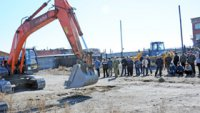 В Туве в третий раз выявили лучших экскаваторщиков и бульдозеристов