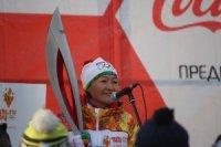 У южных ворот Кызыла Олимпийский огонь встречали посланцы из кожуунов Тувы