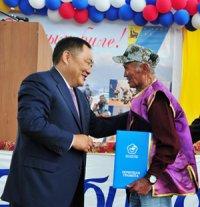 Глава Тувы поздравил селян Чеди-Хольского кожууна с Наадымом