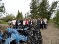 Кызыл: незамерзающее чудо природы – речку Донмас-суг – очистили от мусора врачи Перинатального центра