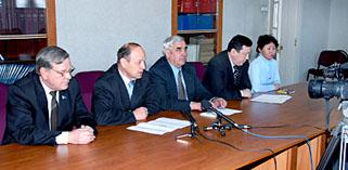 Брифинг депутатов от партии Жизни. Фото Виталия Валькова