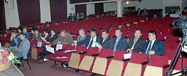 В Доме народного творчества собралось 15 депутатов от Единой России. Фото Виталия Шайфулина