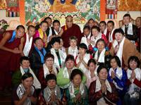 Далай-Лама и тувинские паломники.Фото сайта savetibet.ru
