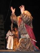 Сцена из спектакля. Король Лир - Александр Салчак. Фото Дины Оюн