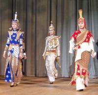 Выступление театра моды. Фото Чимизы Ламажаа