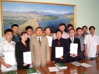 Мэр Кызыла Дмитрий Донгак и руководители студенческих землячеств Тувы