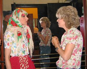Светлана Рожкова и Регина Дубовицкая. Думы над образом. Фото Дины Оюн