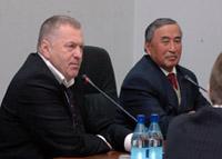 Владимир Жириновский и Шериг-оол Ооржак. Фото официального сайта правительства.