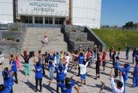 В Туве физзарядку для всех желающих провела мастер спорта по художественной гимнастике