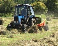 Борьба за призовой трактор развернулась между Тандинским и Каа-Хемским районами Тувы