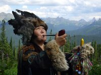 В Туве в избирком на справедливоросса пожаловалась известная шаманка