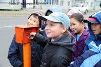 В столице Тувы рядом со школами устанавливают светофоры с кнопкой вызова зеленого сигнала
