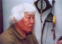 Легендарный шамановед Монгуш Кенин-Лопсан принимает поздравления с днем рождения