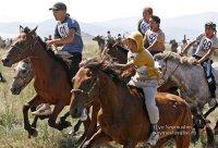 В Туве открывается 18-й сезон конных скачек