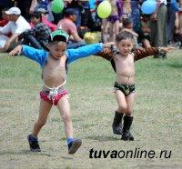 В Туве в детском турнире по борьбе хуреш установлен рекорд по количеству участников – почти тысяча детей