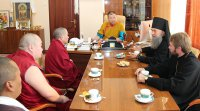 Верховные ламы Калмыкии и Тувы обменялись мнениями о создании в Туве межрелигиозного совета
