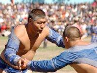 Уроки физкультуры в школах Тувы дают чемпионы
