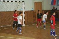 Школьные команды Тувы соревнуются в мини-футболе