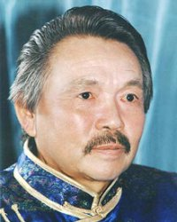 Народный артист Тувы принимает поздравления с Днем рождения
