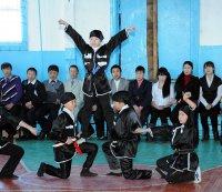 В Туве «Уроки мужества» стартовали в школе на родине легендарного пулеметчика Сата Бурзекея