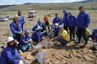 У международной археологической экспедиции в Туве первая находка — золотая серьга