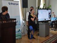 Стоя на одной ноге, Надежда Антуфьева получила золотой знак «Журналист Сибири», став абсолютным победителем конкурса «Сибирь – территория надежд»