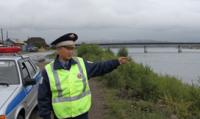 В Туве полицейский ценой огромных усилий спас спрыгнувшего с моста мужчину