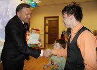 В Туве дети энергетиков поздравили пожилых людей с праздником