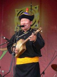 AURIANT MINING поддержит Центр традиционной тувинской культуры