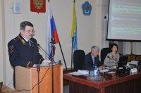 Министр МВД Тувы Александр Лобанов выступил с отчетом в парламенте республики