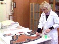 Омские реставраторы восстановили образцы тувинской праздничной одежды