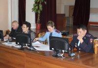 Полиция Тувы отметила благодарностями работу членов Общественного совета Эльвиры Лифановой и Веры Лапшаковой