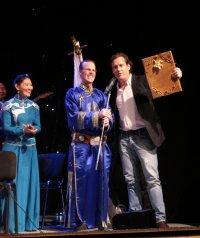 В Москве с большим успехом выступил Национальный оркестр Тувы