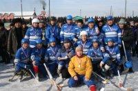 Хоккеисты села Аксы-Барлык выиграли Чемпионат Тувы по хоккею с мячом