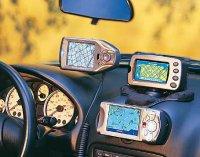 Автомобильный видеорегистратор и навигатор VS коммуникатор: выживет сильнейший