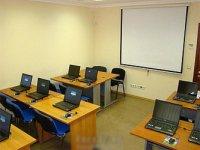 В Туве молодой педагог участвовал в краже ноутбуков из родной школы