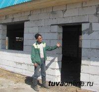 Тува. Предприниматель строит сельский спортзал