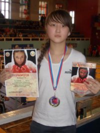Тувинская школьница победила на Первенстве России по боксу
