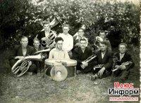 Кызылские истории. В городском саду играет духовой оркестр...