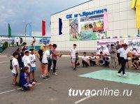 Кызылские дворы оборудуют турниками и брусьями