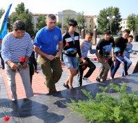 День ВДВ десантники в Туве отметили возложением цветов к памятнику павшим в Великой Отечественной войне