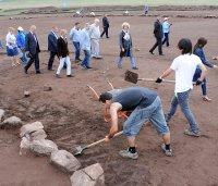 Виктор Толоконский и Шолбан Кара-оол посетили археологический лагерь «Долина царей»