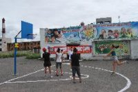 В восточном микрорайоне Кызыла началась установка спортивных и детских площадок