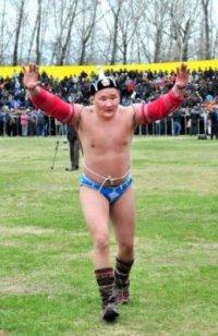 Борец Эрес Кара-сал удостоен звания Чаан Моге (Слон)