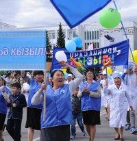 В День города по главной улице Кызыла «проплыл» пароход «Улуг-Хем»
