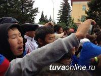 Модельное агентство «Сайс» познакомило кызылчан в День города с новинками моды