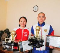Чемпионов мира по кикбоксингу приняли в парламенте Тувы