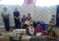 Тувинские делороссы поздравили детей с праздником Шагаа