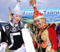 Министр Вячеслав Донгак обязуется открыть культурные центры в районах Тувы